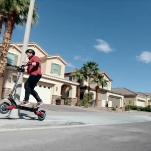 Zipping through the city streets on your Varla Eagle One